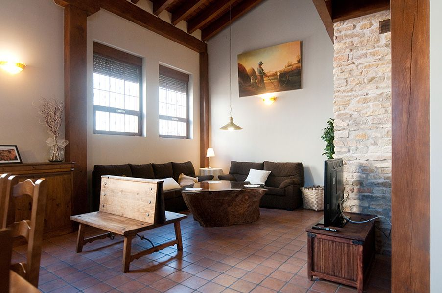 Casas rurales decoracion interior affordable estancias decoracin rustica muebles restaurados - Decoracion casa rural ...